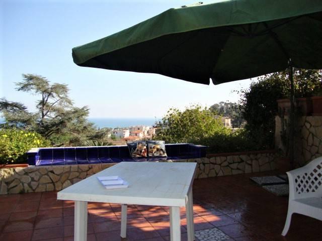 Villa in ottime condizioni parzialmente arredato in vendita Rif. 8913297
