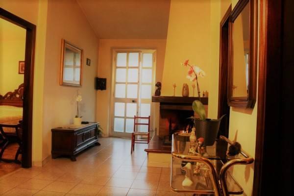 Appartamento in buone condizioni parzialmente arredato in vendita Rif. 8909125