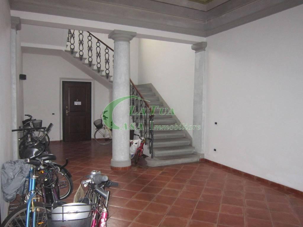 Appartamento in ottime condizioni arredato in affitto Rif. 8911573