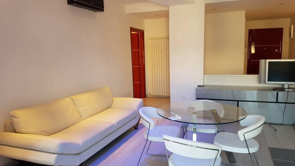 Appartamento in ottime condizioni arredato in vendita Rif. 8914505
