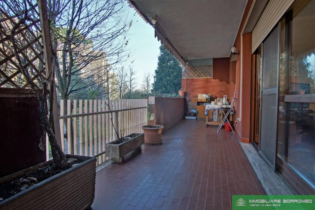 Appartamento in buone condizioni in vendita Rif. 8910776