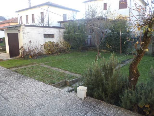 Casa Indipendente in buone condizioni in vendita Rif. 8912415