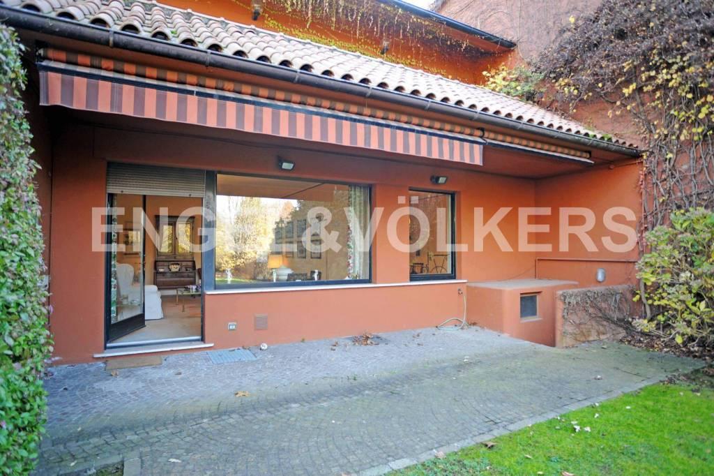 Appartamento in ottime condizioni parzialmente arredato in vendita Rif. 8909703