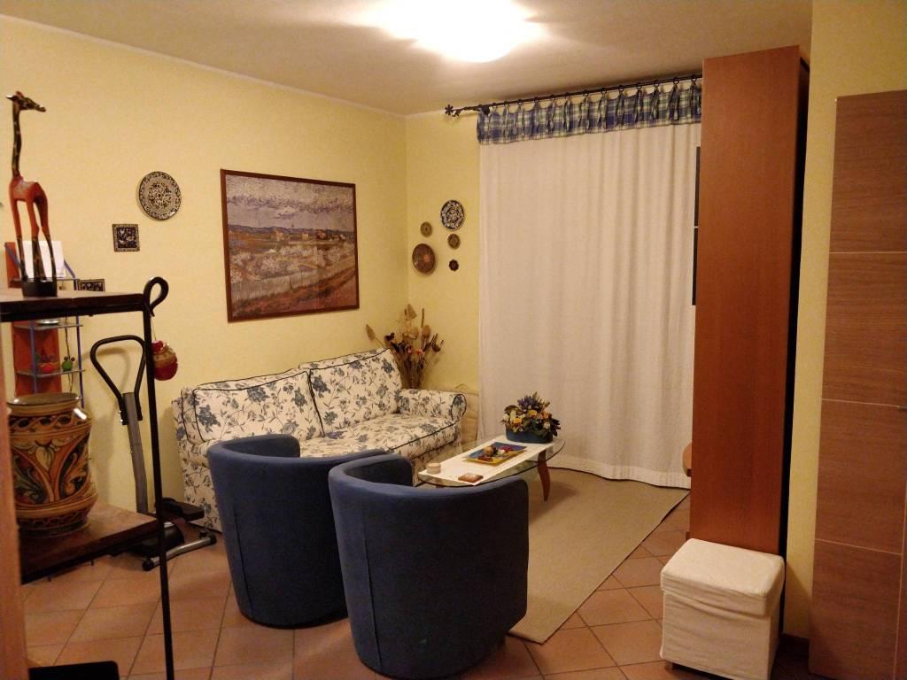 Appartamento in buone condizioni in vendita Rif. 8908939