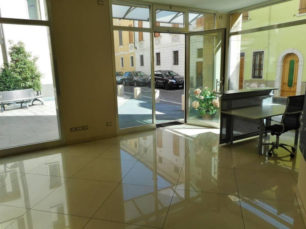 Negozio / Locale in vendita a Montichiari, 1 locali, prezzo € 175.500 | PortaleAgenzieImmobiliari.it
