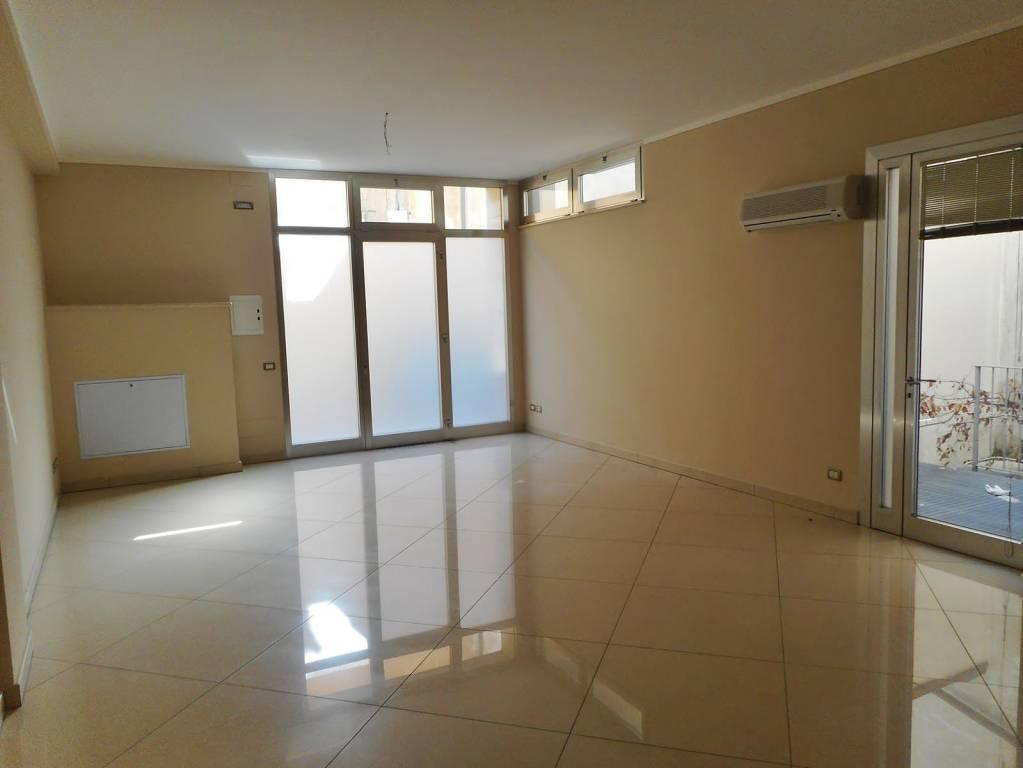 Ufficio / Studio in vendita a Montichiari, 1 locali, prezzo € 176.000 | PortaleAgenzieImmobiliari.it