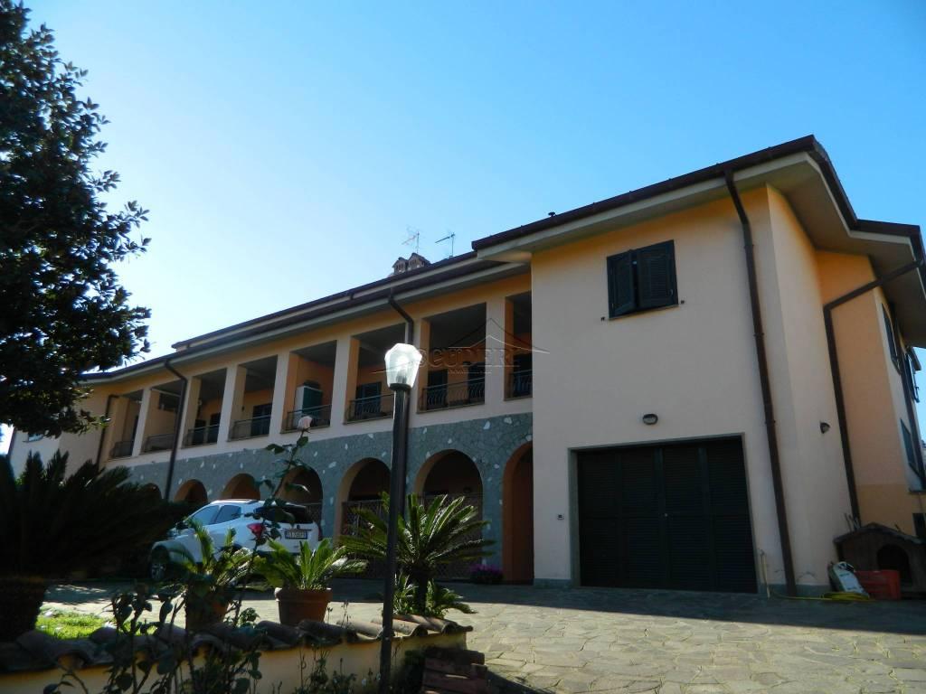 Trilocale in villa con terrazzo, Frascati