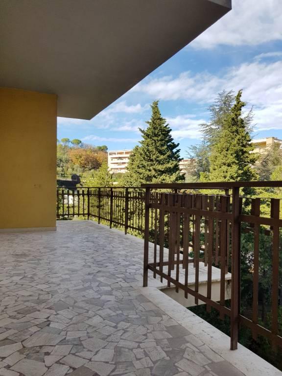 Appartamento in ottime condizioni in vendita Rif. 8911400