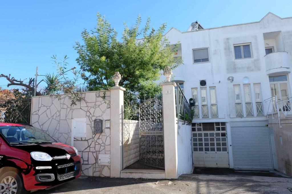 Villa in buone condizioni in vendita Rif. 8779711