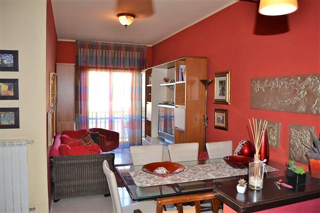 Appartamento in buone condizioni arredato in affitto Rif. 8909170