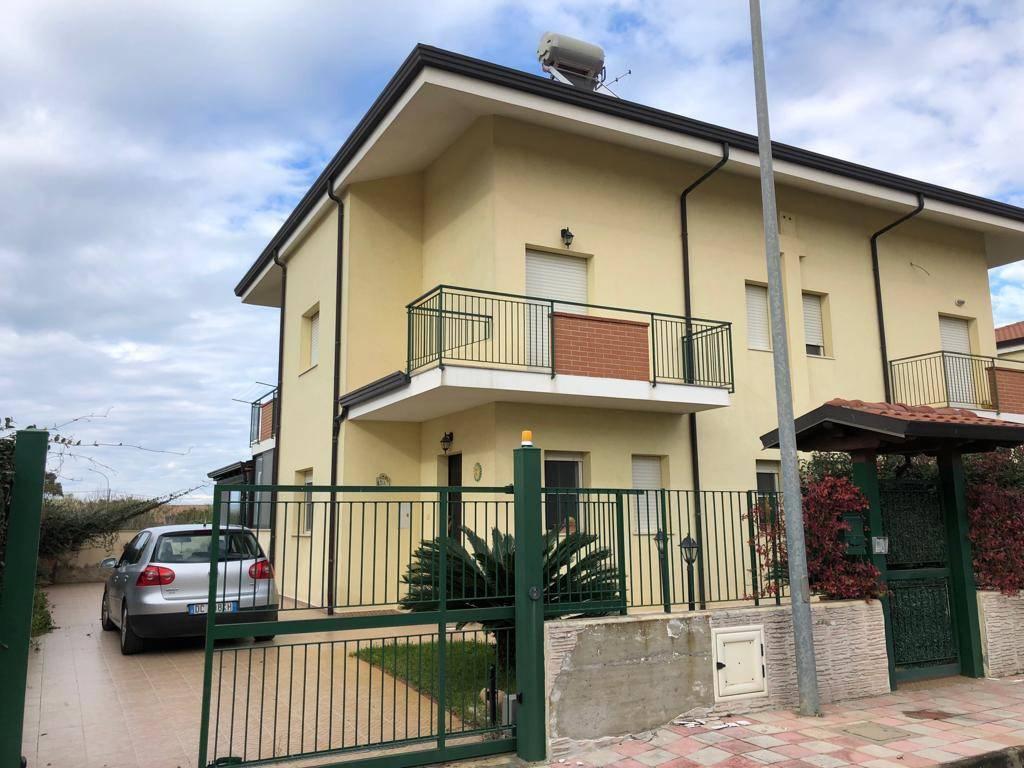 Villa in ottime condizioni in vendita Rif. 8913569