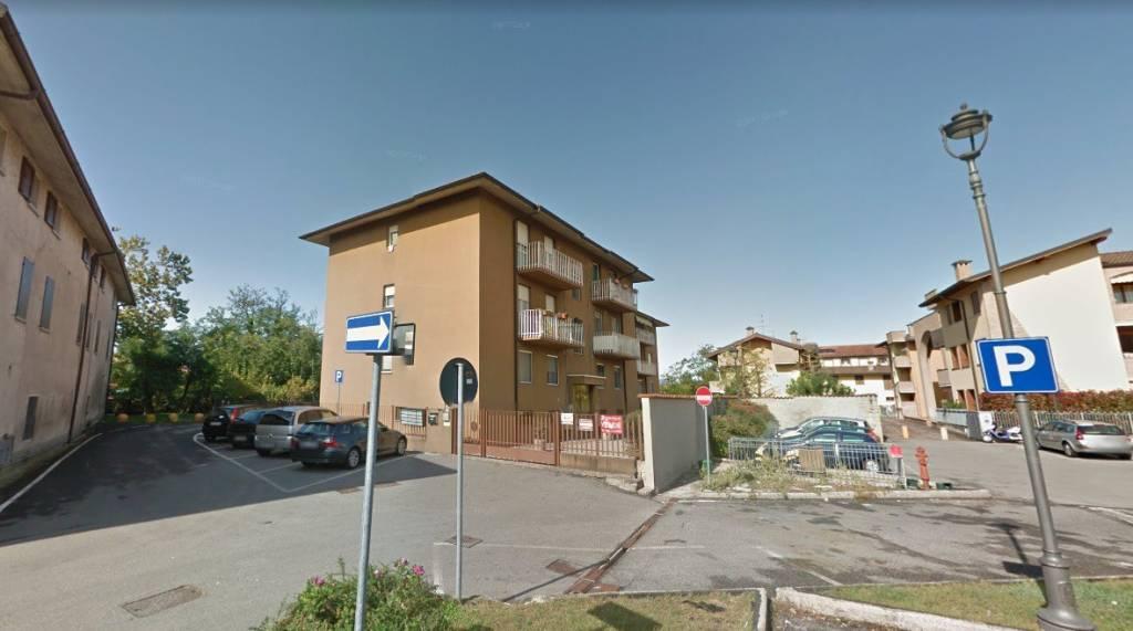 Appartamento in buone condizioni in vendita Rif. 8925928