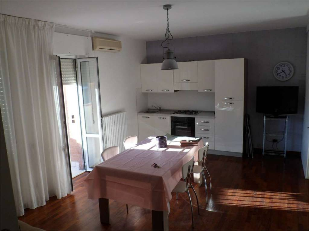 Appartamento in buone condizioni in vendita Rif. 8925227