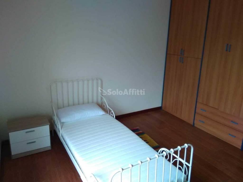 Stanza / posto letto in buone condizioni arredato in affitto Rif. 8390166