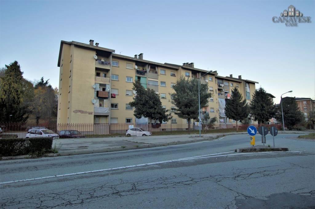 Appartamento in buone condizioni in vendita Rif. 8924417