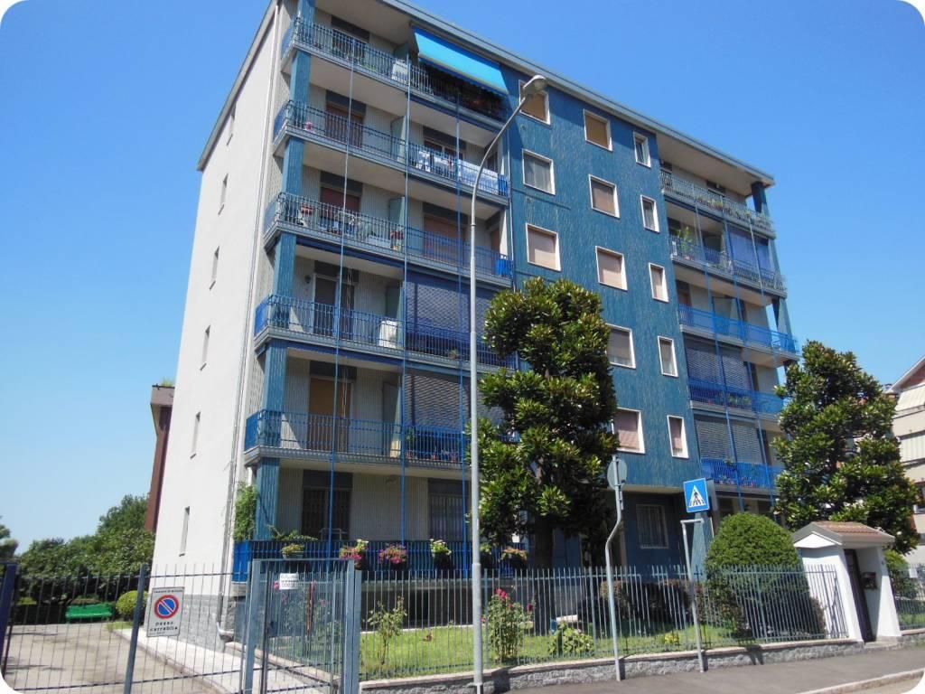 Appartamento in buone condizioni in vendita Rif. 8923323