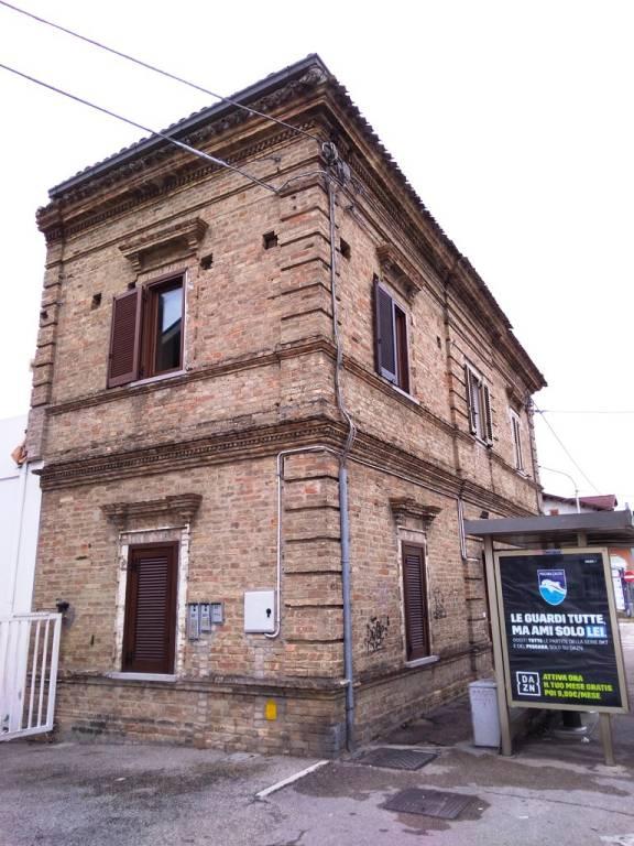 Casa Indipendente in ottime condizioni in vendita Rif. 8960689