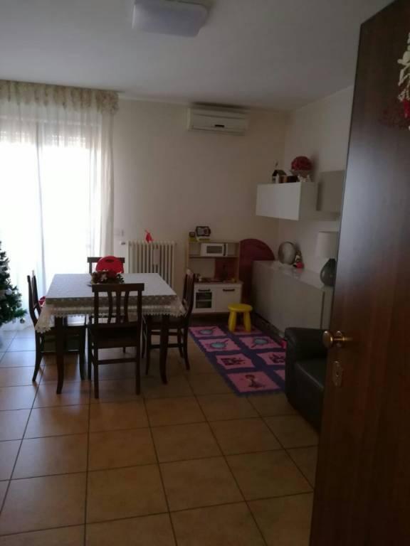 Appartamento in ottime condizioni arredato in affitto Rif. 8924648