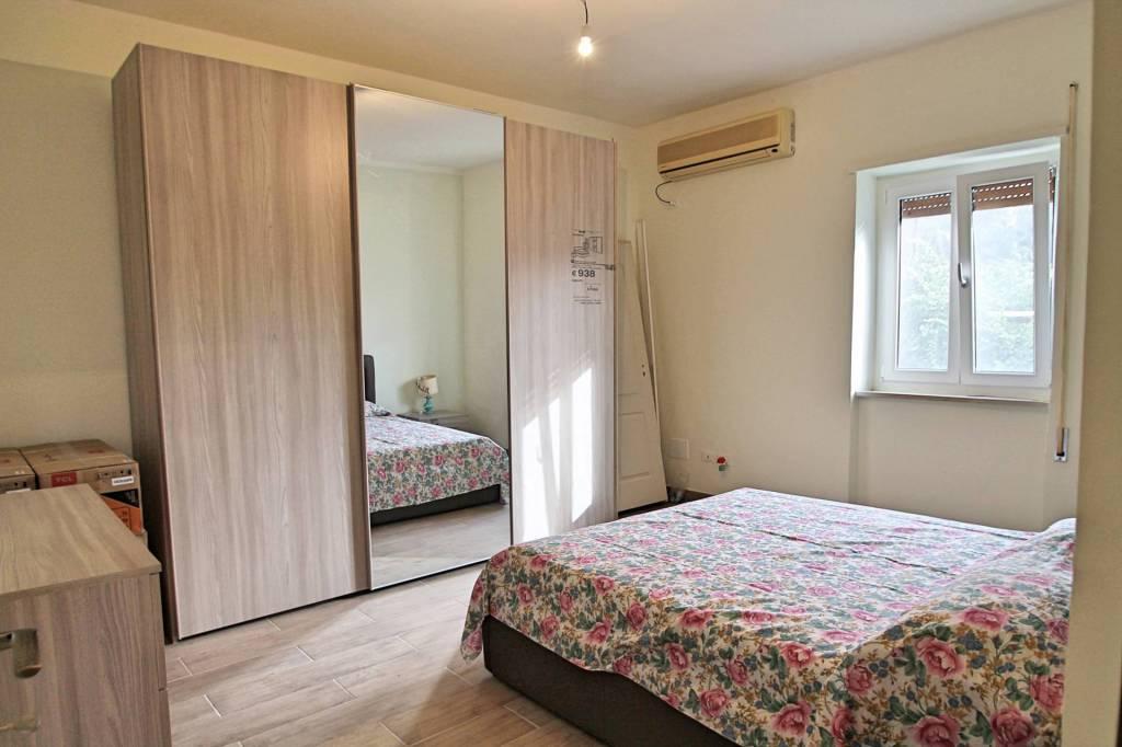 Appartamento da ristrutturare parzialmente arredato in vendita Rif. 8921704
