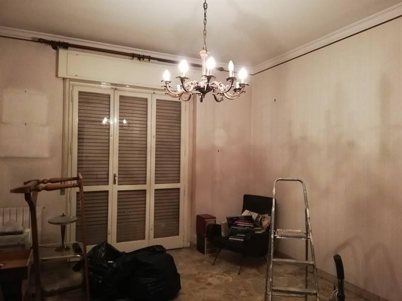 Appartamento in buone condizioni in affitto Rif. 9381317