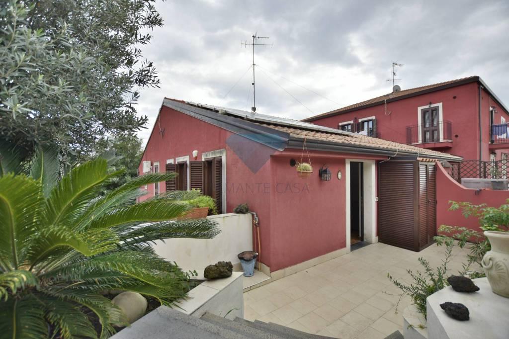 Appartamento in Vendita a Aci Bonaccorsi Centro: 3 locali, 60 mq