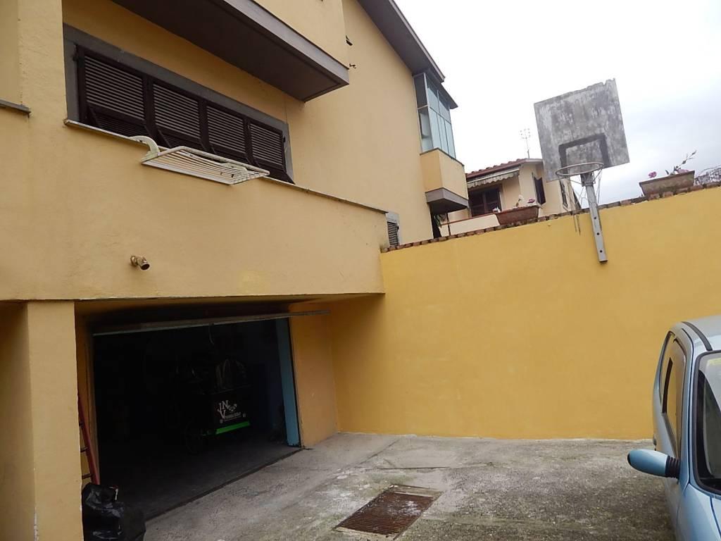 Villa in buone condizioni arredato in vendita Rif. 8923994