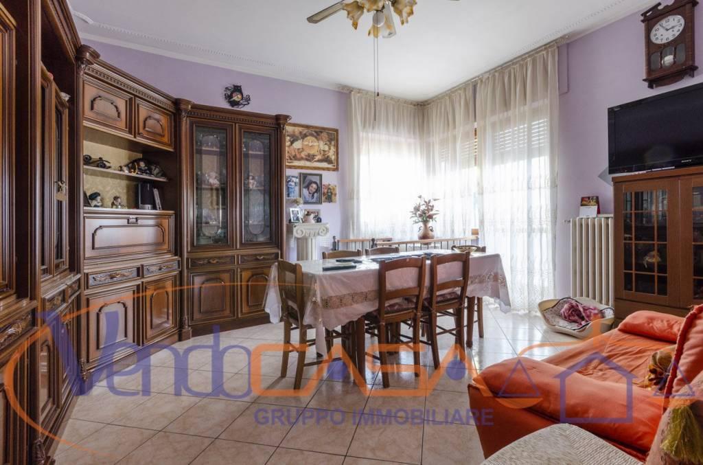 Appartamento in ottime condizioni in vendita Rif. 8925351