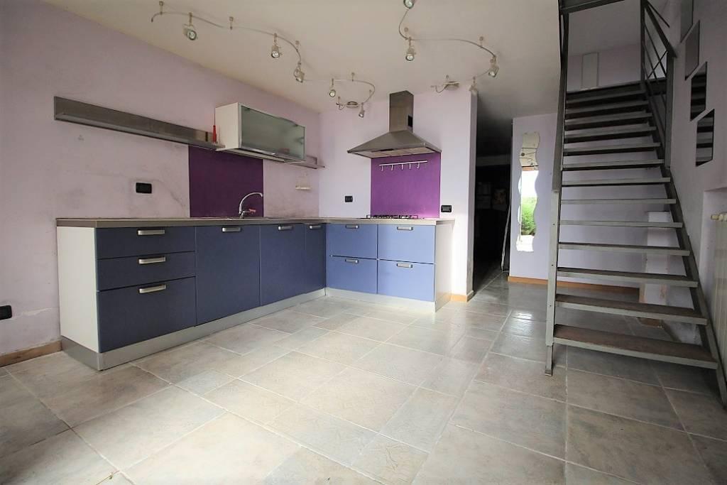 Appartamento in ottime condizioni in vendita Rif. 8921711