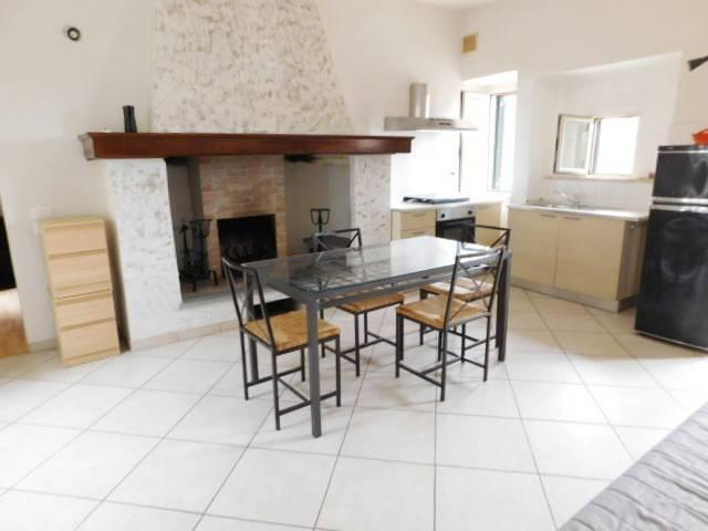 Appartamento in ottime condizioni arredato in affitto Rif. 8923662