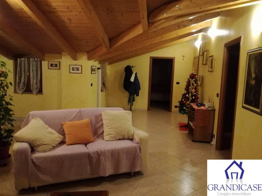 Foto 1 di Appartamento via Roma, Montanaro