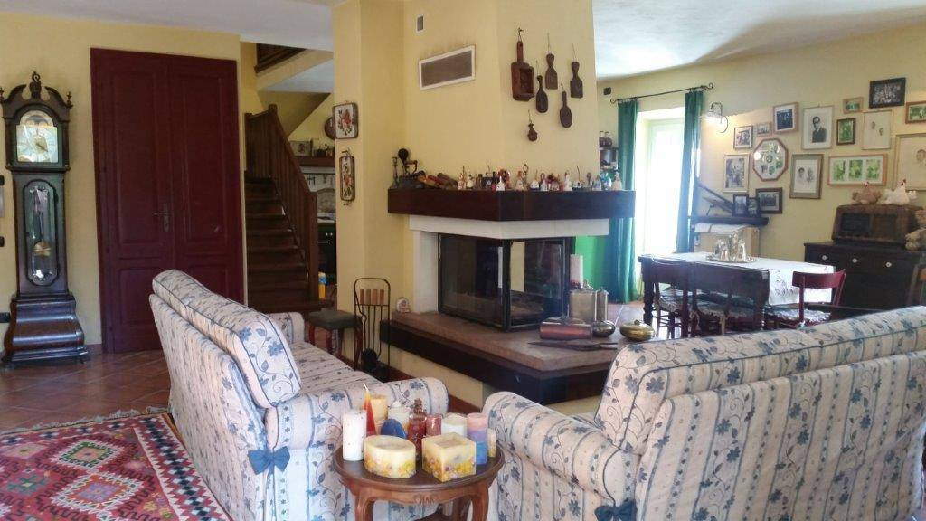 Villa in vendita a Mombasiglio, 9999 locali, Trattative riservate | PortaleAgenzieImmobiliari.it