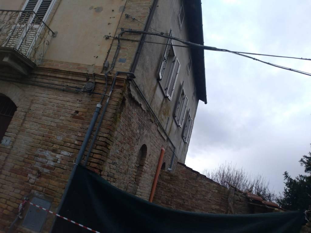 Casa Indipendente da ristrutturare in vendita Rif. 8926438