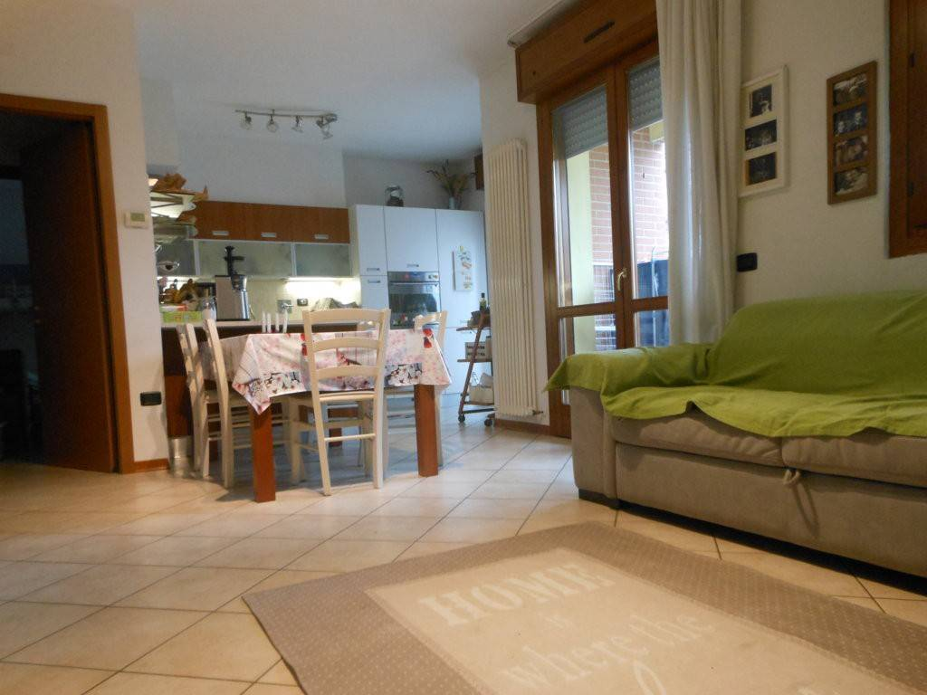 Appartamento in ottime condizioni in vendita Rif. 8926846