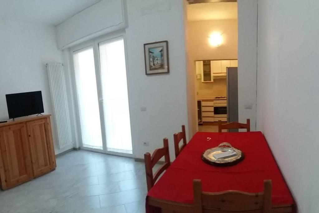 Appartamento in ottime condizioni arredato in affitto Rif. 8921439