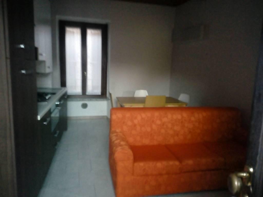 Appartamento in buone condizioni in affitto Rif. 8923872