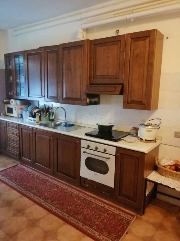 Appartamento in buone condizioni in vendita Rif. 8925893
