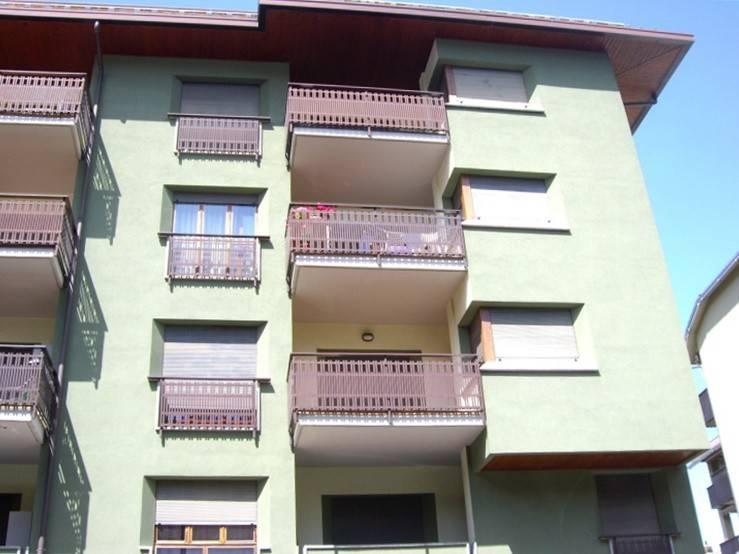 Appartamento in buone condizioni in vendita Rif. 8923215