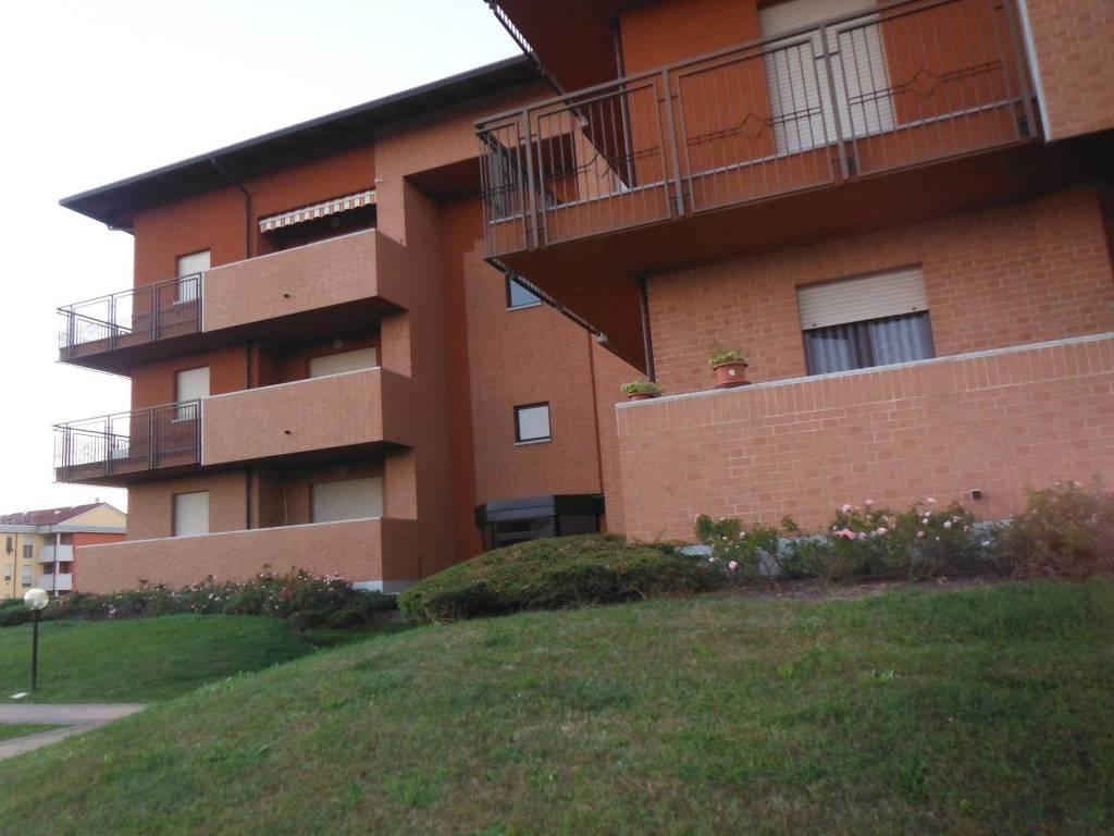 Appartamento in ottime condizioni arredato in affitto Rif. 8927394