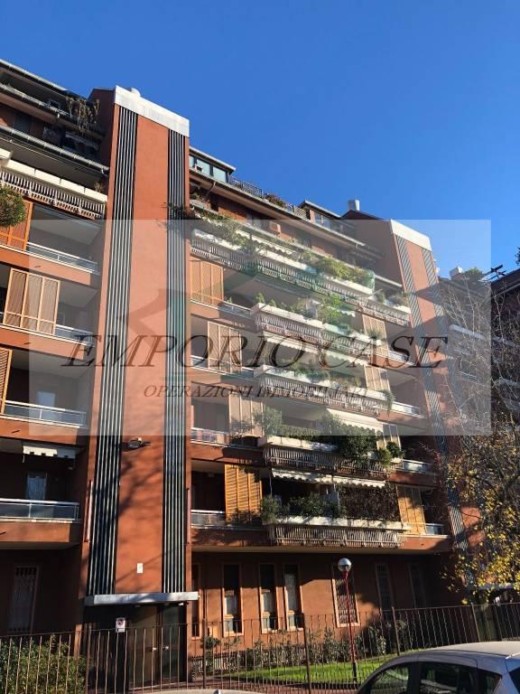 Appartamento in ottime condizioni parzialmente arredato in vendita Rif. 8922546