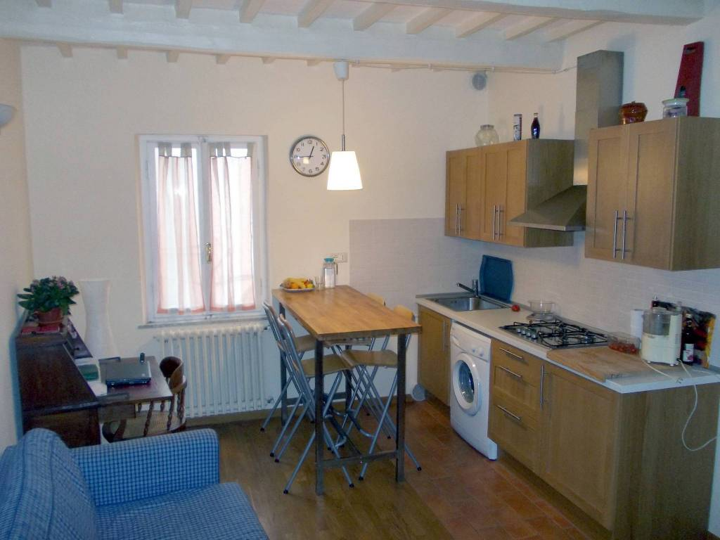 Appartamento in ottime condizioni arredato in affitto Rif. 8921820