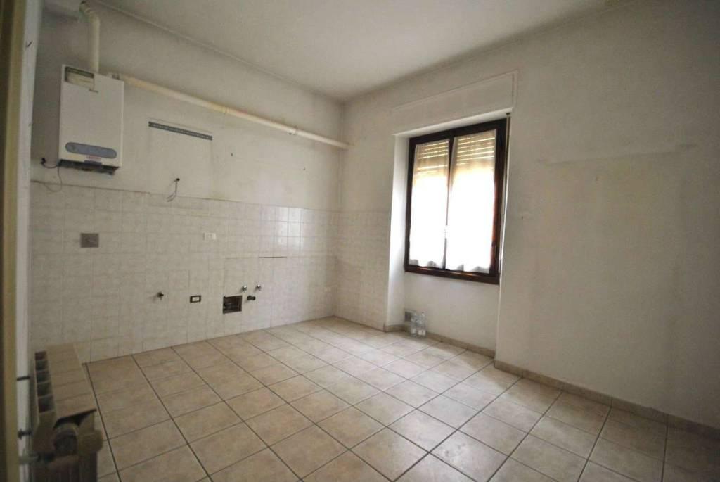 Appartamento in buone condizioni in vendita Rif. 8949617