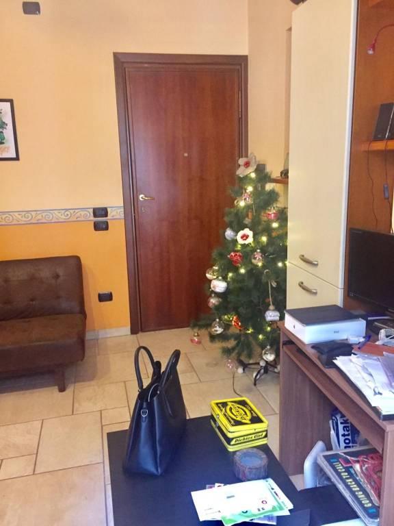 Appartamento in buone condizioni in affitto Rif. 8924323