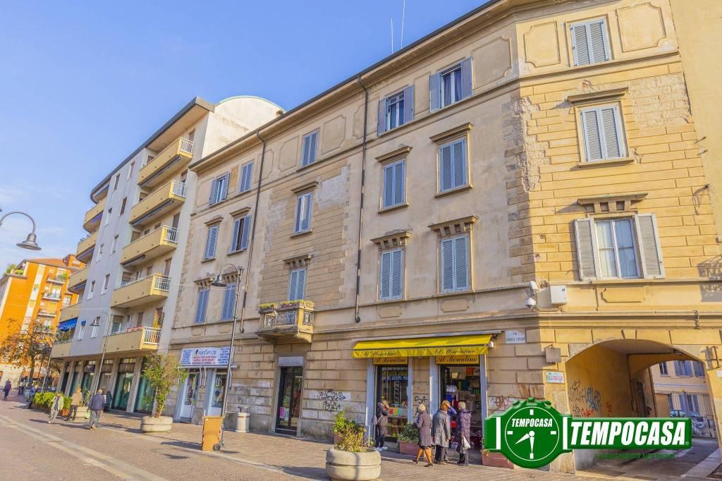 Appartamento in buone condizioni in vendita Rif. 8936630