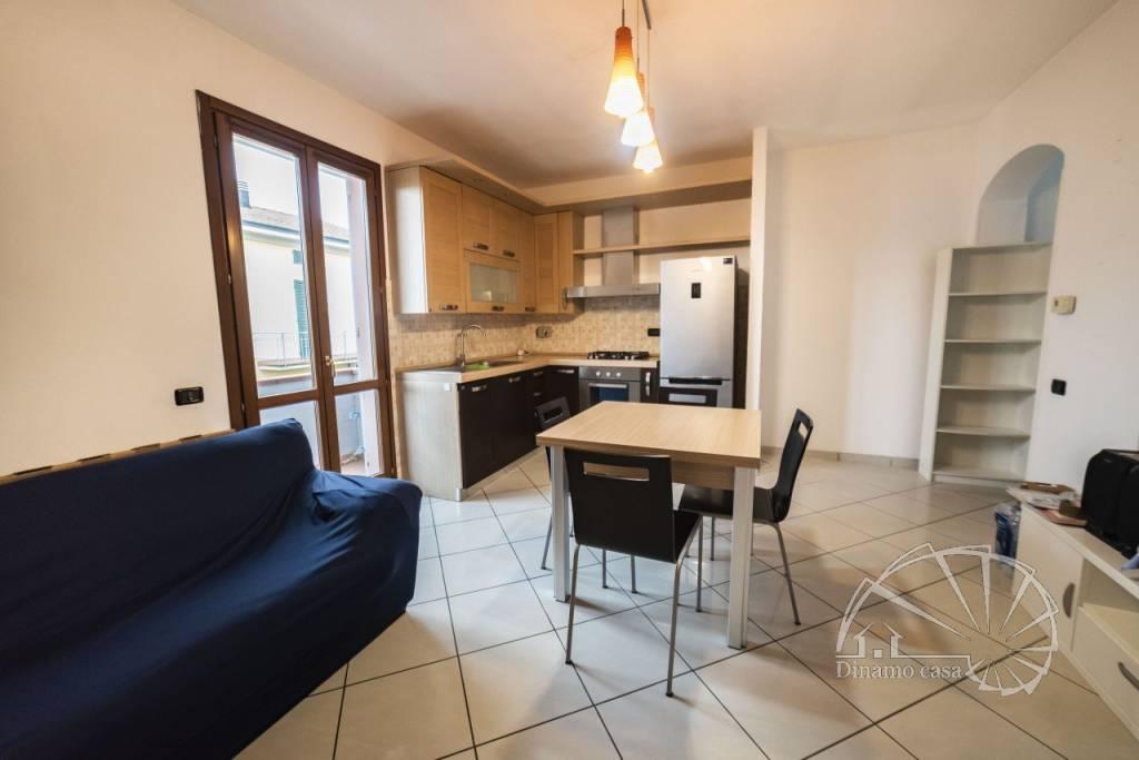 Appartamento in buone condizioni in vendita Rif. 8937132