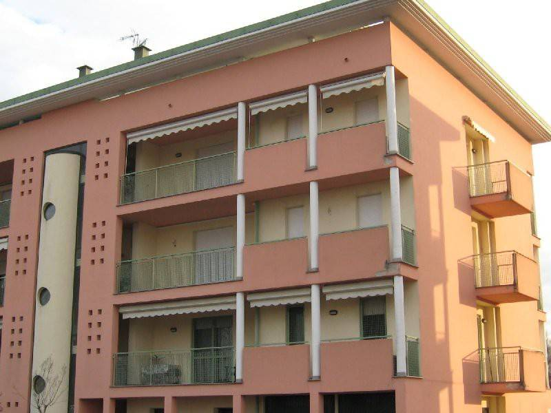 Appartamento in buone condizioni in vendita Rif. 8936333