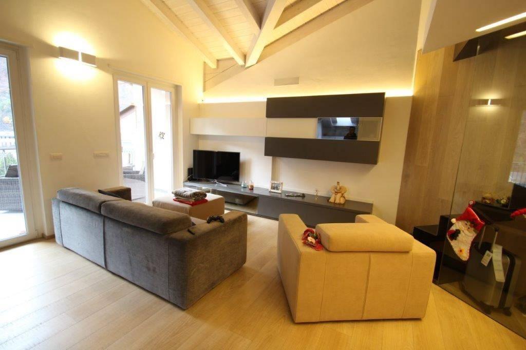 Appartamento in ottime condizioni in vendita Rif. 8935297