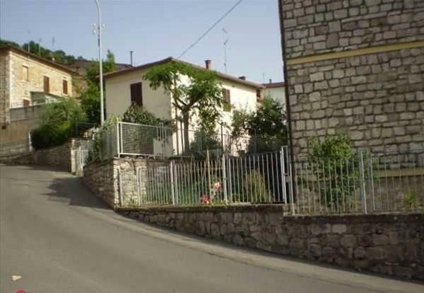 Appartamento in buone condizioni in vendita Rif. 8909395
