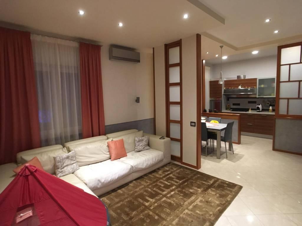 Appartamento in ottime condizioni in vendita Rif. 8898237