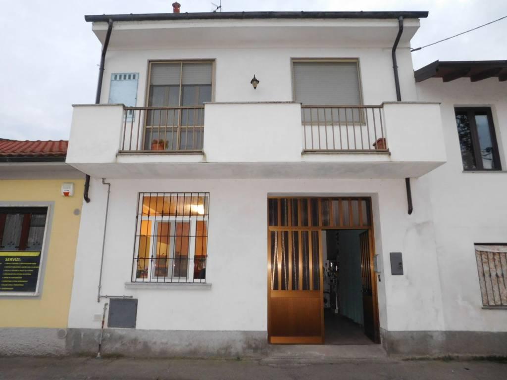 Villa in vendita a Gravellona Lomellina, 3 locali, prezzo € 69.000 | CambioCasa.it