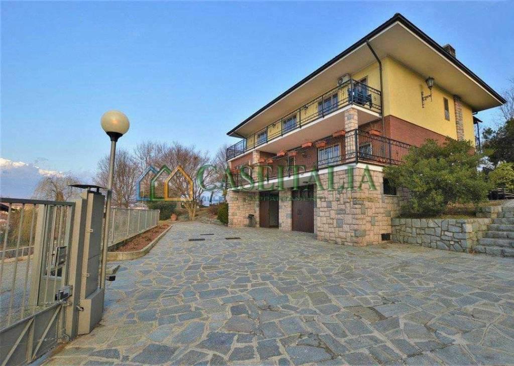 Villa in buone condizioni in vendita Rif. 8257385